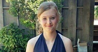 14 year old girl dies after being electrocuted by her smartphone