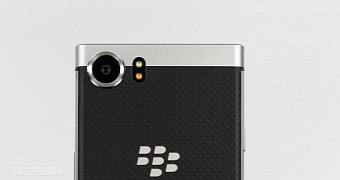 Blackberry to launch its first ever water resistant phone in october