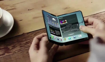 Foldable smartphone cases patented by otterbox 523366 2