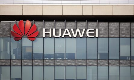 Huawei plays down android ban promises current models not affected 526174 2