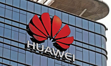 Huawei delays mate x could end up launching without android 526407 2