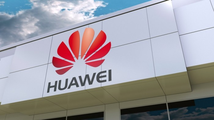Huawei Reduces Orders for New Smartphones Following US Ban
