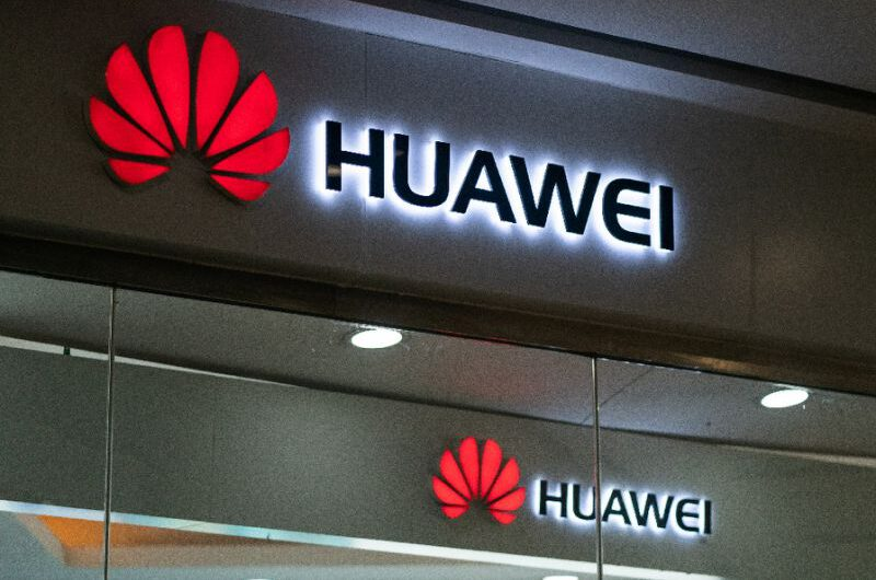 Huawei Applauds Apple for Its User Privacy Obsession