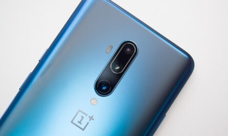 Update to oneplus 8 5g series includes green tint fix camera and connectivity improvements