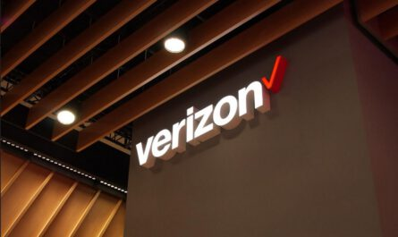Video explains how you can activate a 4g or 5g phone on verizon without having to leave your house