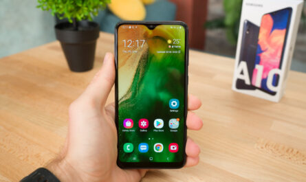 I spent a week using samsungs best selling phone which costs just 150