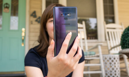 Samsungs aging galaxy note 9 is back in the spotlight at an irresistible price