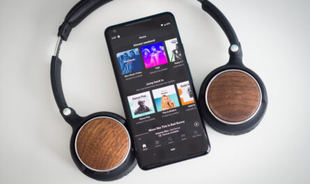 Spotify rolls out video podcasts to free and premium users worldwide